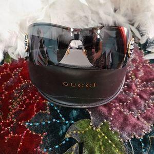 Gucci sunglasses horsebit style.